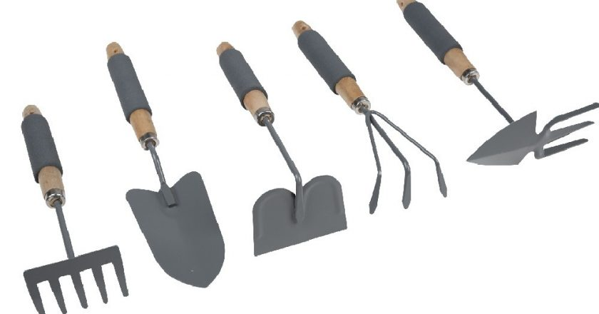Bien choisir ses outils de jardinage